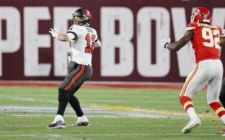 31-29. Brady comienza defensa de título de Super Bowl con triunfo