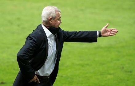 Javier Aguirre dice que el costarricense Campbell no debió jugar fecha FIFA