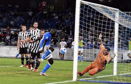 El Juventus se autodestruye ante el Nápoles y sigue sin ganar