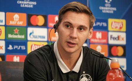 """Wöber, ilusionado: """"No esperaba volver aquí para jugar la Liga de Campeones"""""""