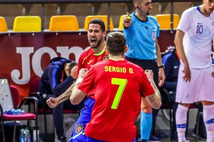 0-4. España vence con solvencia en su debut a Paraguay