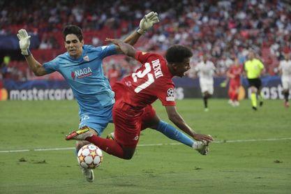 1-1. Empate agridulce del Sevilla tras 3 penaltis en contra y acabar con diez