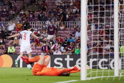 El Barcelona añora a Messi y el Chelsea festeja la llegada de Lukaku