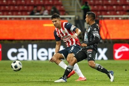 El Guadalajara vence al Pachuca y toma oxígeno en el fútbol mexicano