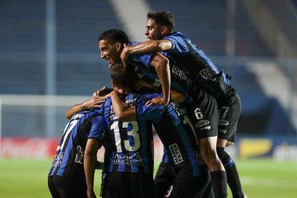 Nacional cae ante Progreso, Peñarol deja puntos con Fénix y Liverpool lidera el fútbol en Uruguay