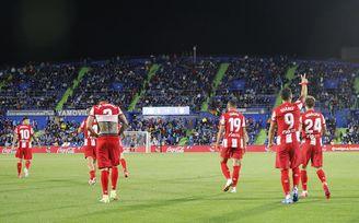 1-2: Luis Suárez resucita al Atlético... y sentencia a Míchel
