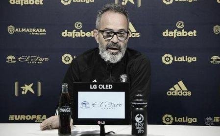 """Cervera 'se ríe' de la crisis del Barcelona: """"Contra el Cádiz puede poner a once internacionales"""""""