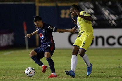 2-2. Un doblete de Kevin López rescata al Motagua en su vista al Universitario de Panamá