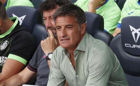 Míchel confirma que utilizará una defensa de cinco ante el Betis.