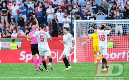 El Sevilla, pendiente de las pruebas a En-Nesyri y la sanción a Delaney, a quien le pueden caer dos partidos