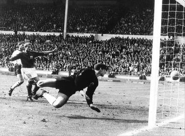 Roger Hunt, el hombre que cantó el gol de Hurst
