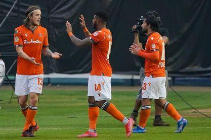 0-2. Forge Hamilton avanza a los cuartos de final de la Liga Concacaf