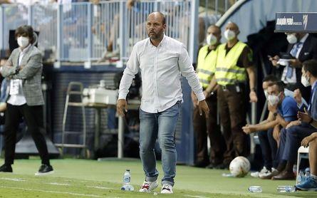 """López: """"La lesión de Luis Muñoz ha sido un mazazo; no hay recambios en el mercado"""""""