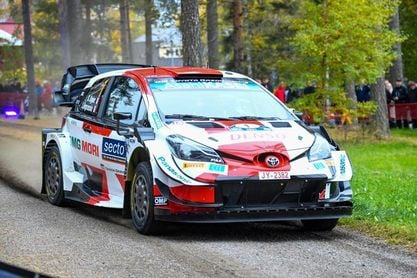Takamoto Katsuta primer líder del rally de Finlandia, Ogier empieza sexto
