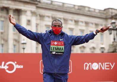El etíope Sisay Lemma gana el maratón de Londres