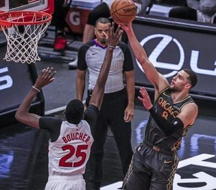 131-95. Los nuevos Bulls se exhiben ante Cavaliers, que tienen debut de Rubio