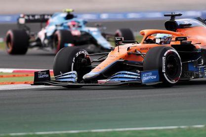 Ricciardo saldrá el último en Turquía por cambio de motor, Sainz gana un puesto