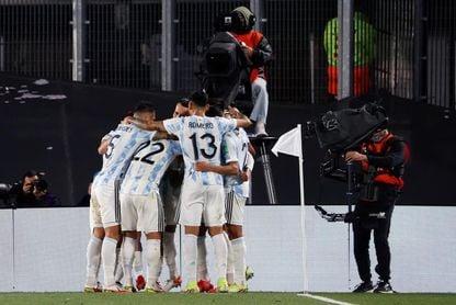3-0. Argentina doblega a Uruguay y Messi llega a 80 goles con la Albiceleste