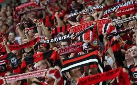 Vuelta a la normalidad: habrá aficionados visitantes en el Real Betis - Bayer Leverkusen