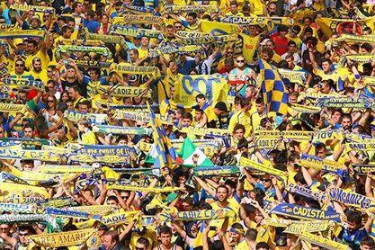 Los aficionados del Cádiz podrán entrar en el RCDE Stadium.