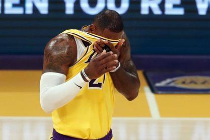 """99-111. Los nuevos """"Big 3"""" de los Lakers debutan con derrota ante los Warriors"""