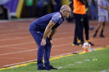 Coito separado de la selección de Honduras luego de la derrota ante Jamaica