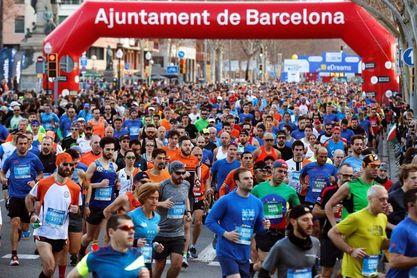 Diez mil corredores de 80 países tomarán la salida en la capital catalana